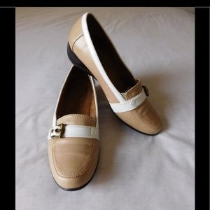 Naturalizer leather Divine Loafers Size 9.5